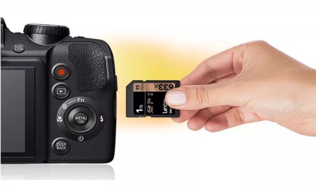 Lexar пуска първата 1TB SD карта