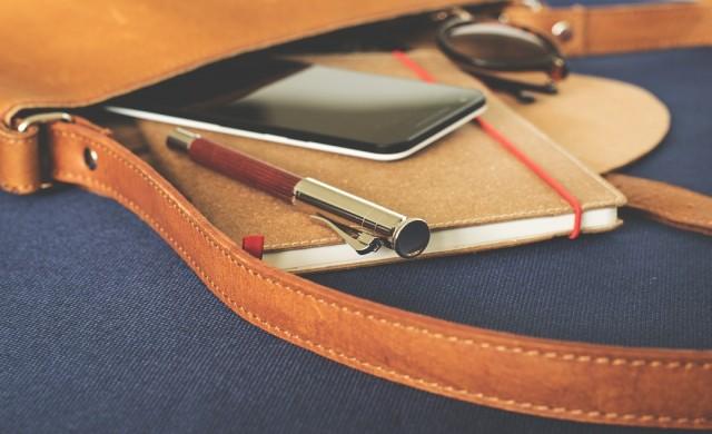 Компактни смартфони с отлична автономна работа