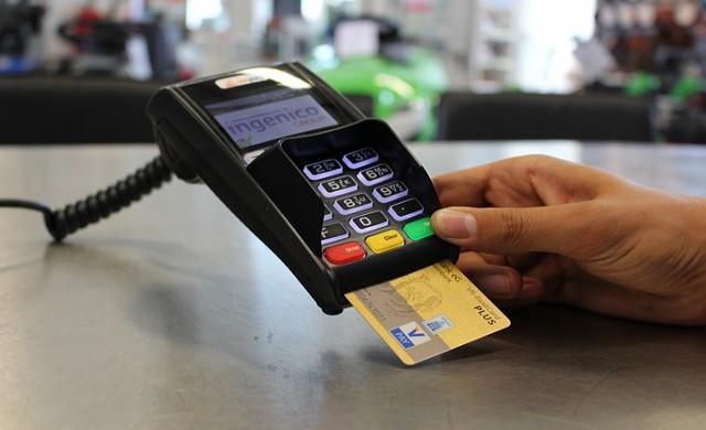 Не изпращайте снимки на банковите си карти в месинджърите
