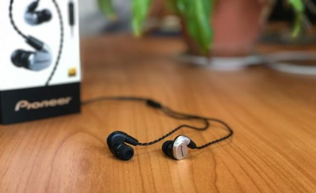 Pioneer SE-CH5T-S балансирано аудио преживяване за истинските ценители