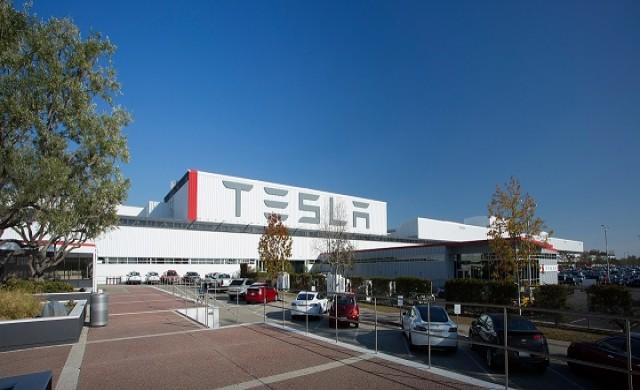 Tesla произвежда 3,500 Model 3 електромобила седмично