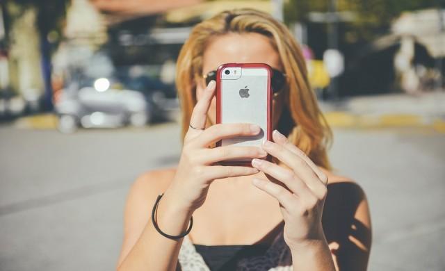 Apple обеща да ускори старите айфони