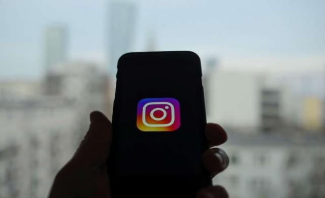 Instagram ще позволи споделянето на истории