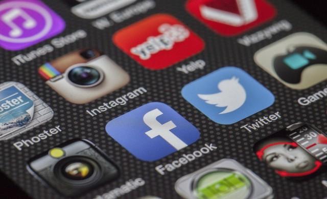 Как да не се депресираме от Facebook
