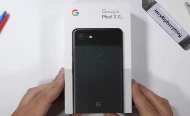 Pixel 3 XL задължително с калъф