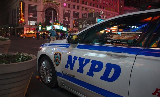 NYPD изтегля близо 2,990 персонални камери след самозапалване