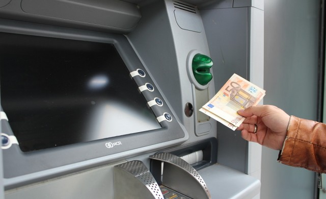 За колко минути се взломява банкомат?