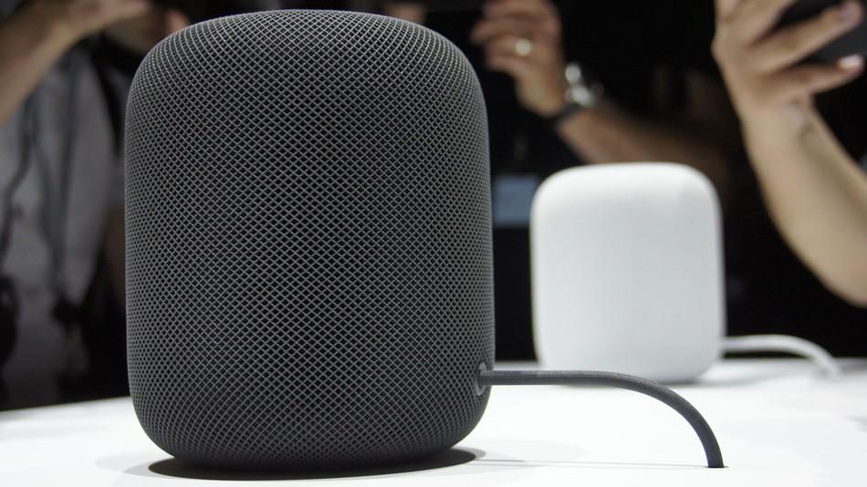 HomePod впечатлява със звук, но не и с интелект
