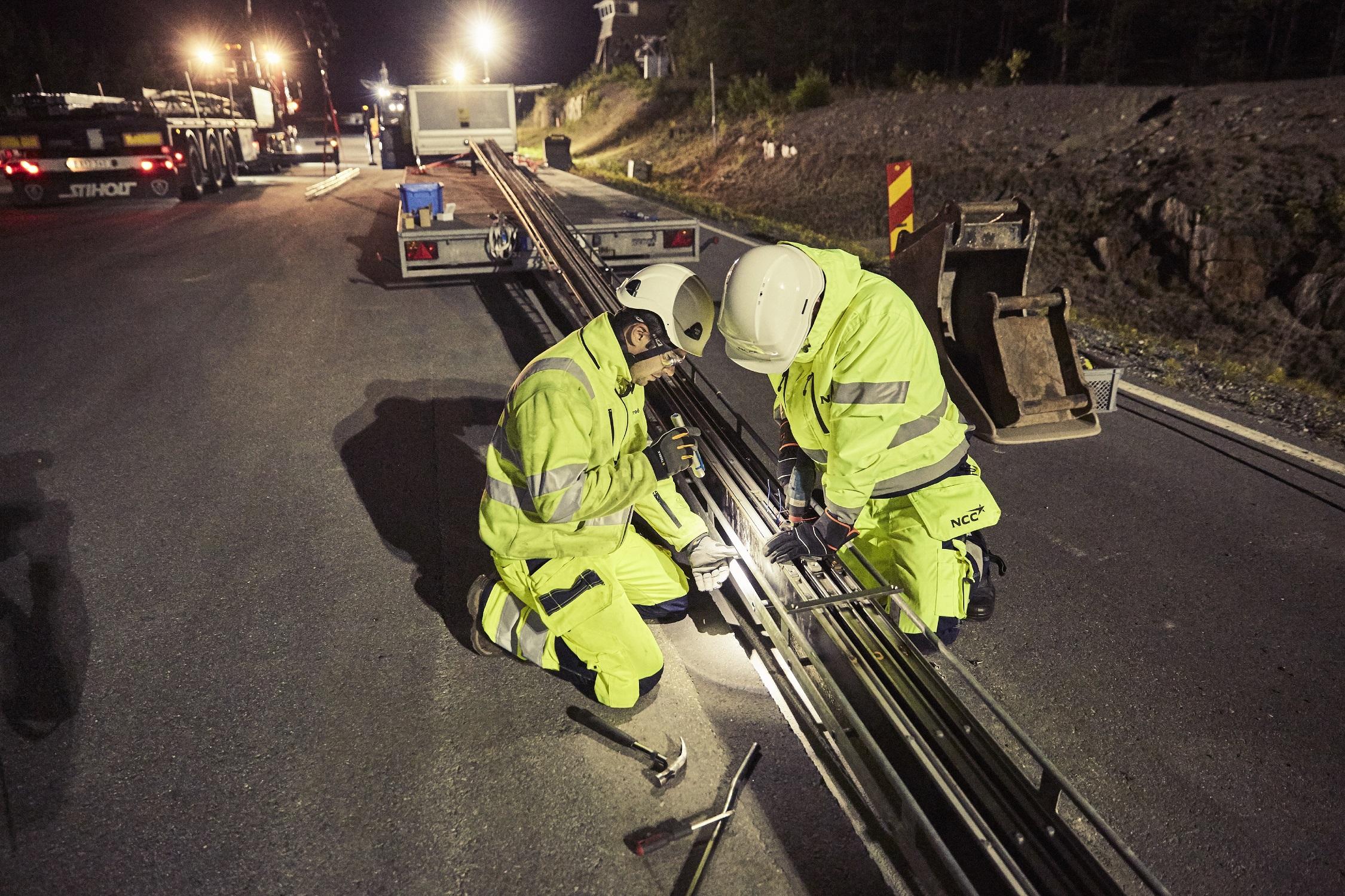 Швеция тества пътища, които зареждат електромобили в движение