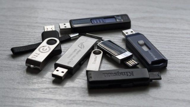 IBM забранява употребата на всички преносими устройства с памет във фирмата