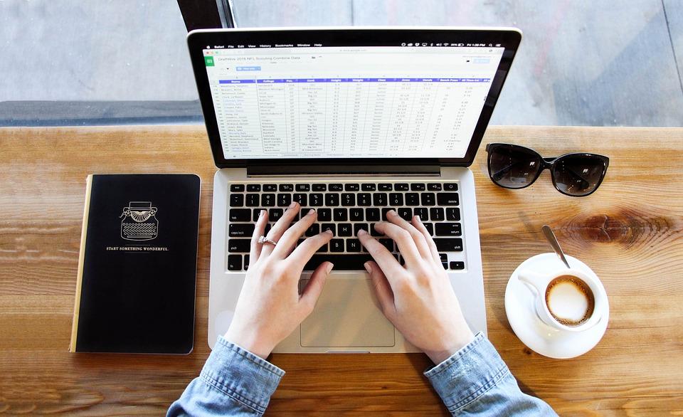 Нов MacBook Pro в началото на есента?