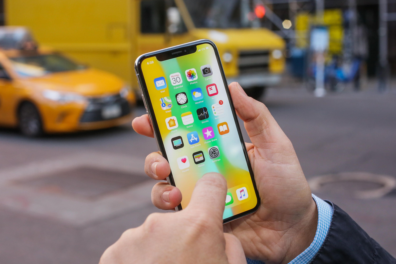 Apple орязва скоростта и на iPhone X